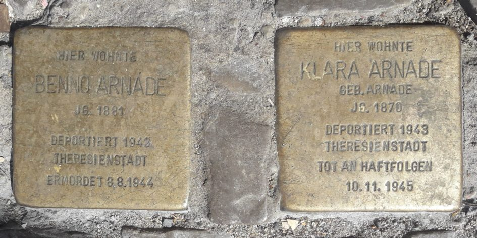 Stolperstein Arnade Berlin 945x473 - Theresienstadt, Stolperstein, Schlesien, Kosel, Breslau, Berlin, Arnade, 1945, 1943, 1881, 1870