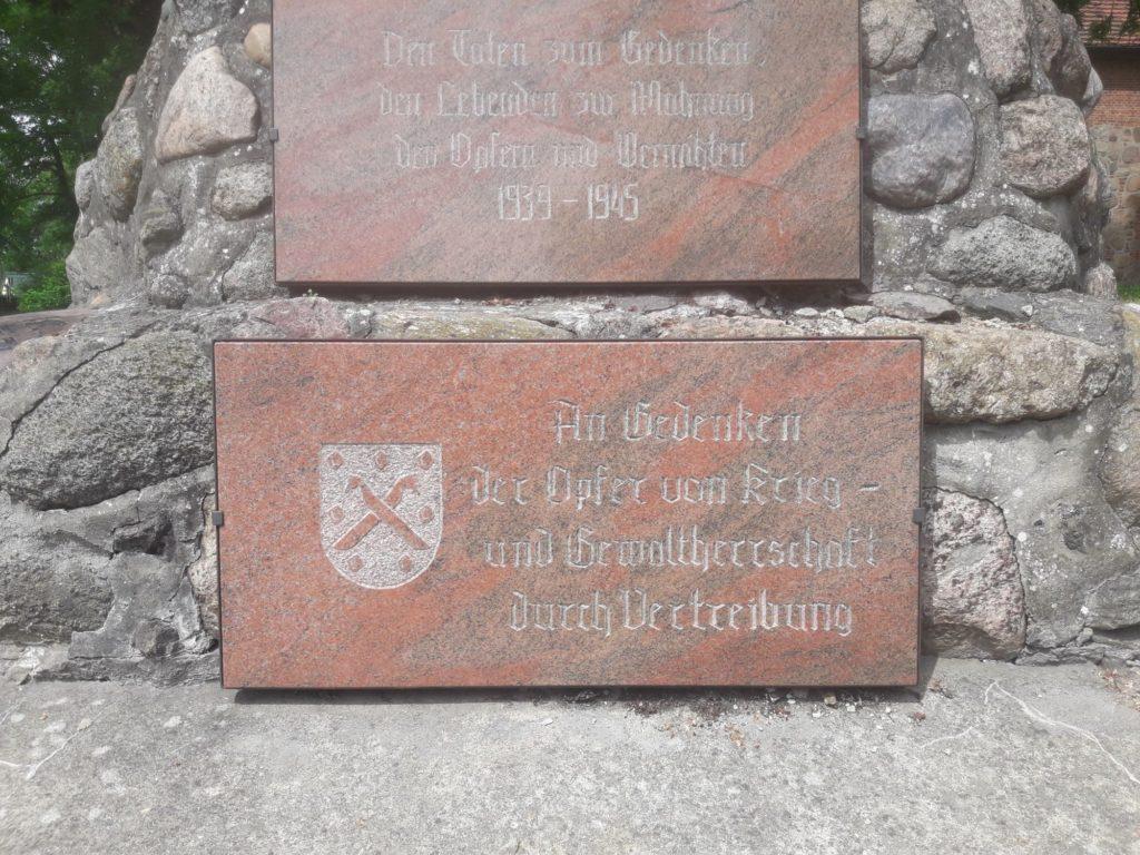 Gefallenendenkmal Ahnenforschung Spornitz Parchim 05 1024x768 - Spornitz, Mecklenburg-Vorpommern, Gefallene, 2. Weltkrieg, 1919, 1918, 1917, 1916, 1915, 1914, 1. Weltkrieg
