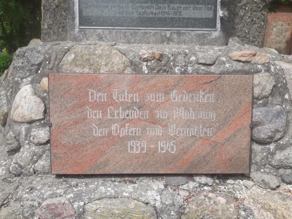 Gefallenendenkmal Ahnenforschung Spornitz Parchim 07 1024x768 - Spornitz, Mecklenburg-Vorpommern, Gefallene, 2. Weltkrieg, 1919, 1918, 1917, 1916, 1915, 1914, 1. Weltkrieg
